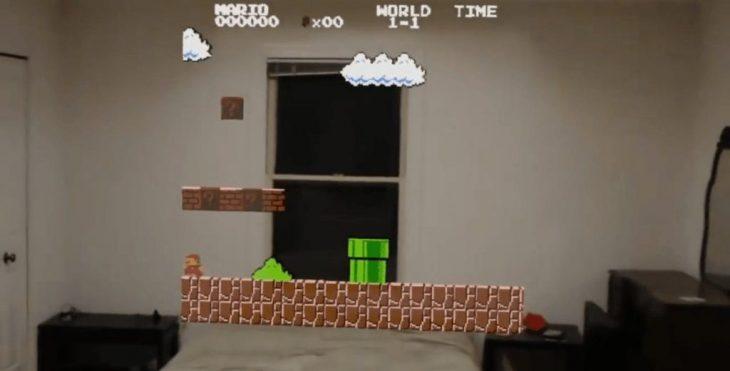 Se muestra un emulador de Nintendo corriendo en HoloLens