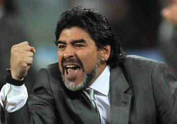 Konami se rinde ante Maradona en su denuncia por Pro Evolution Soccer 2017