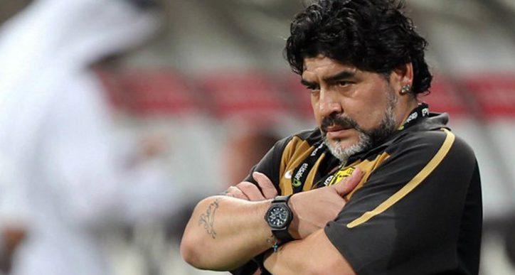 Konami pasa de las amenazas de Maradona y seguirá usándolo en el PES 2017