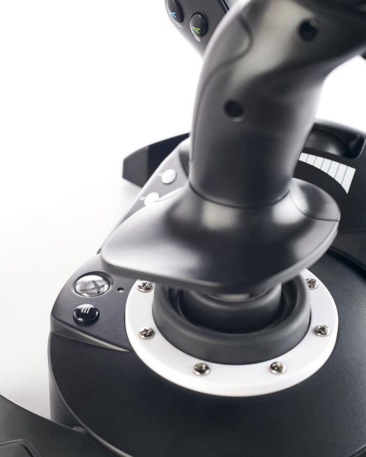 Thrustmaster presenta el T.Flight Hotas One, un joystick dedicado para Xbox