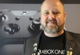 """Aaron Greenberg presume de potencia frente a PS4 Pro, """"6 es mayor que 4"""""""