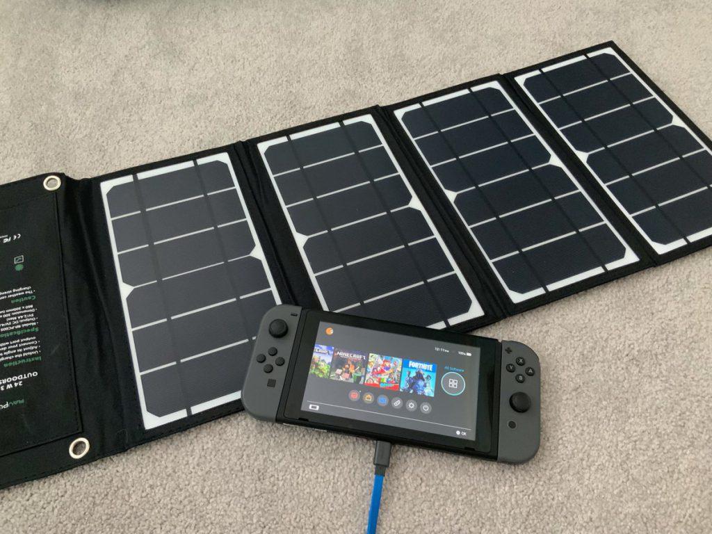 Nuevo guiño de Major Nelson a Nintendo Switch - Major Nelson muestra cómo carga su Nintendo Switch con unas placas solares en medio de los rumores que sitúan Game Pass en la consola híbrida.
