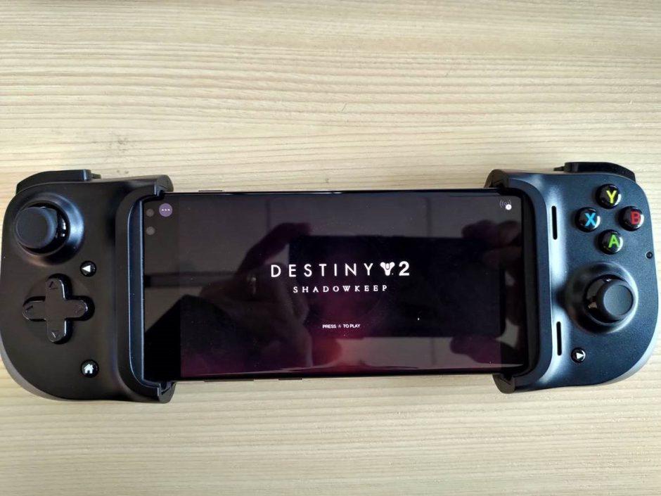 Project xCloud: Phil Spencer muestra Destiny 2 en su Razer Kishi
