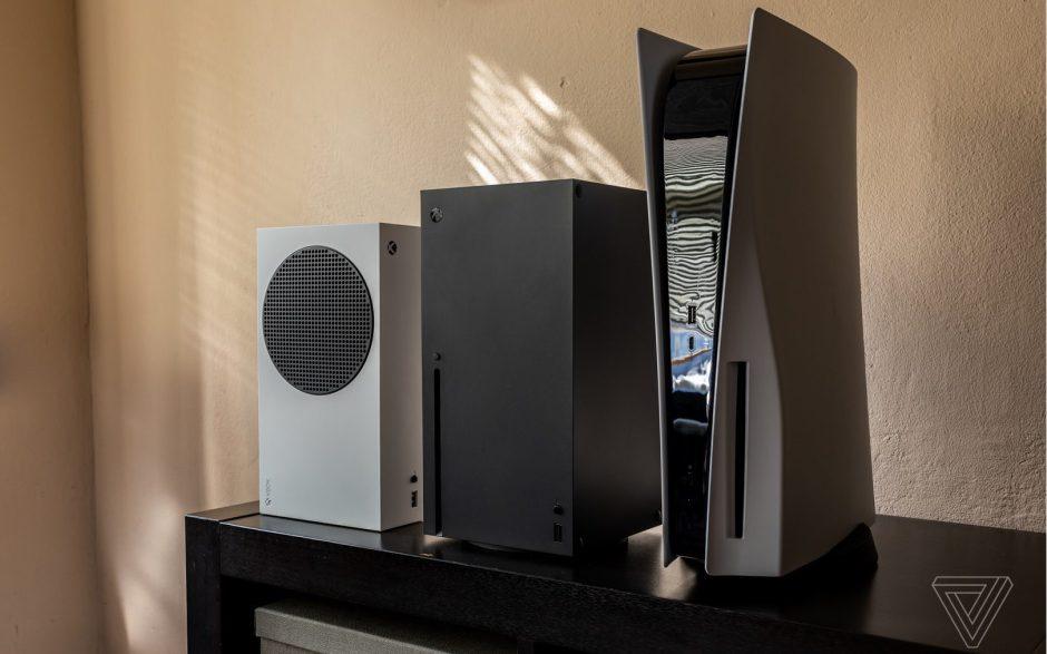 Xbox Series X vs PS5: Primeras fotos comparativas reales de tamaño