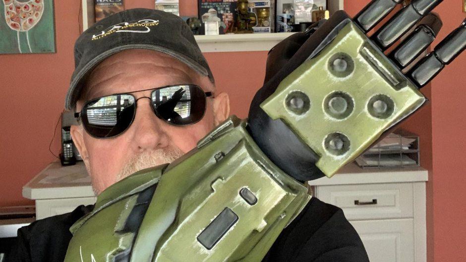 Steve Downes actor del Jefe Maestro donó miles de dólares para ayudar a niños que necesitan prótesis