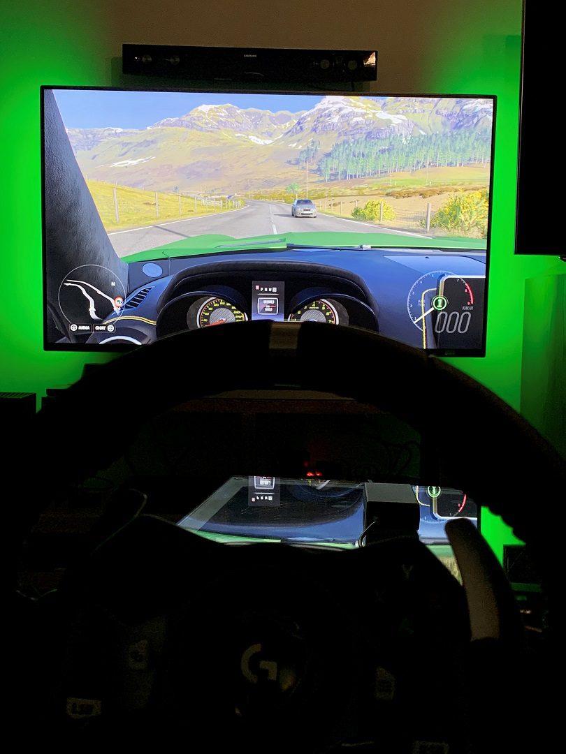 """55"""" Diseñadas para Xbox: Prueba a fondo del Monitor Gaming Phillips Momentum 559M1RYV - Hemos tenido la oportunidad de probar el nuevo monitor Phillips Momentum 559M1RYV, especialmente diseñado para Xbox. Os contamos nuestra experiencia."""
