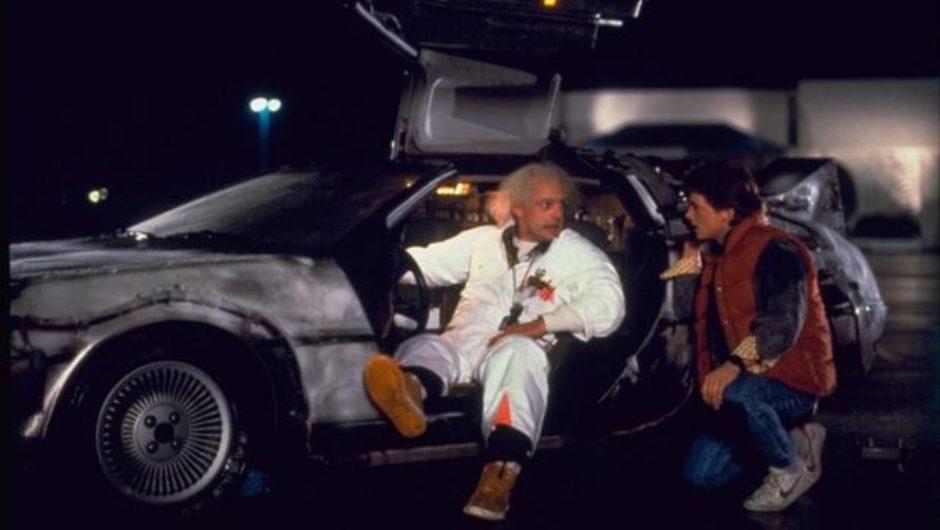 ¡Rápido Marty! Juega con el Delorean en Forza Horizon 5
